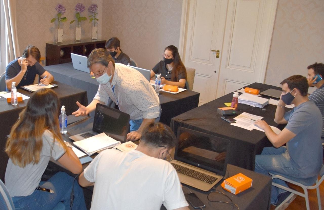 Estudiantes de la UTN siguen colaborando con el COES de Concordia